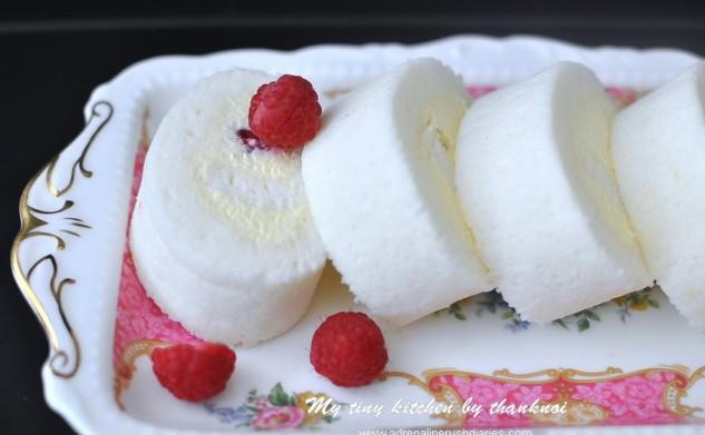 White Roll Cake
