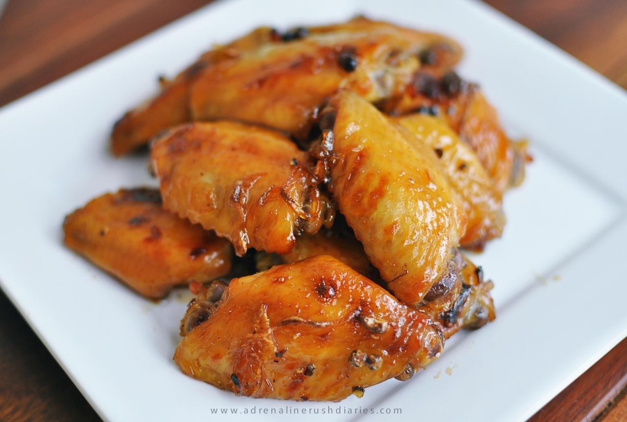 ปีกไก่พริกไทยดำซ้อสคาราเมล